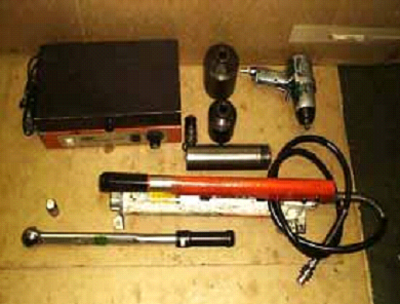 Tools for service screw compressor